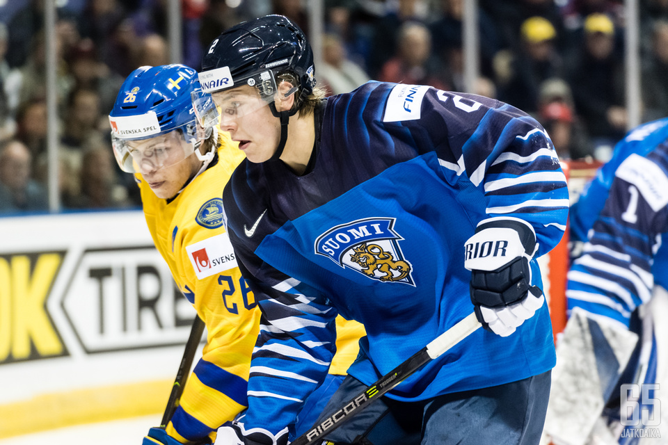 Pääseekö nuorten maailmanmestari Oskari Laaksonen taas vauhtiin Ruotsia vastaan?