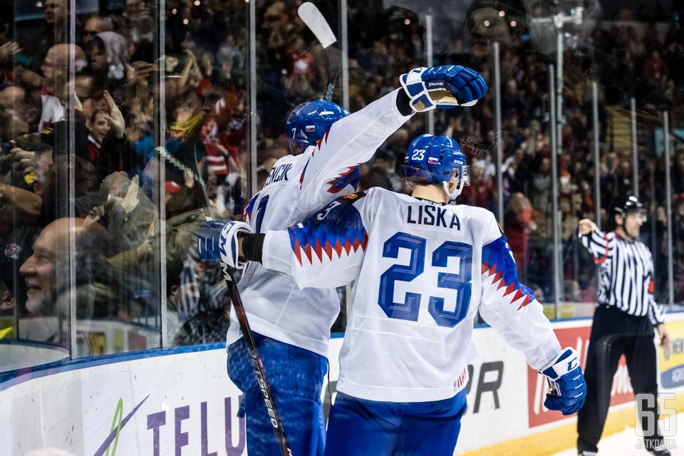 Slovakian MM-joukkueen hyökkäys laitettiin täydellisen uusiksi. Mukana on myös U20-kisoista tuttuja nimiä.