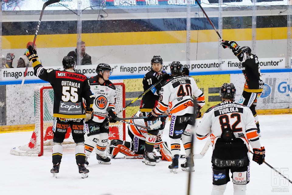 Kärppien kapteeni Atte Ohtamaa pääsi aitiopaikalta seuraamaan Ville Leskisen siirtymistä Liigan pistepörssin kärkeen.