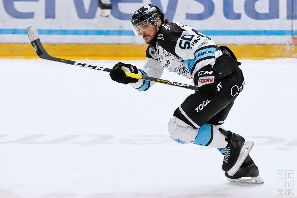 Juhamatti Aaltonen kuritti HIFK:ta alustamalla Pelicansille peräti kolme maalia.