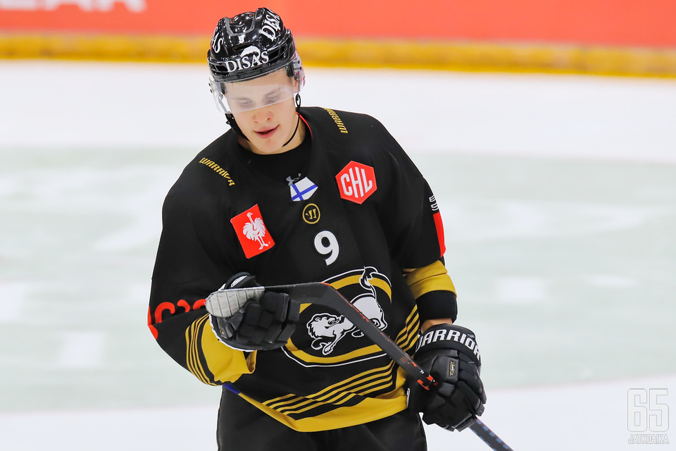 Jesse Puljujärvi laittoi NHL-uransa hetkeksi tauolle ja palasi Oulun Kärppiin.