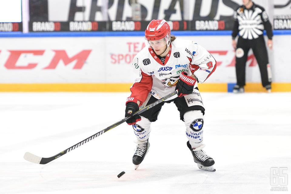 Valtteri Viljanen jatkoi hyvää kauttaan SaiPan kustannuksella.