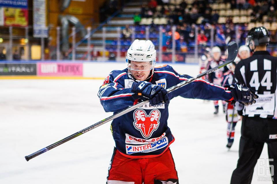 Ville Väinölä oli tuuletuksissaan ajan hermolla.