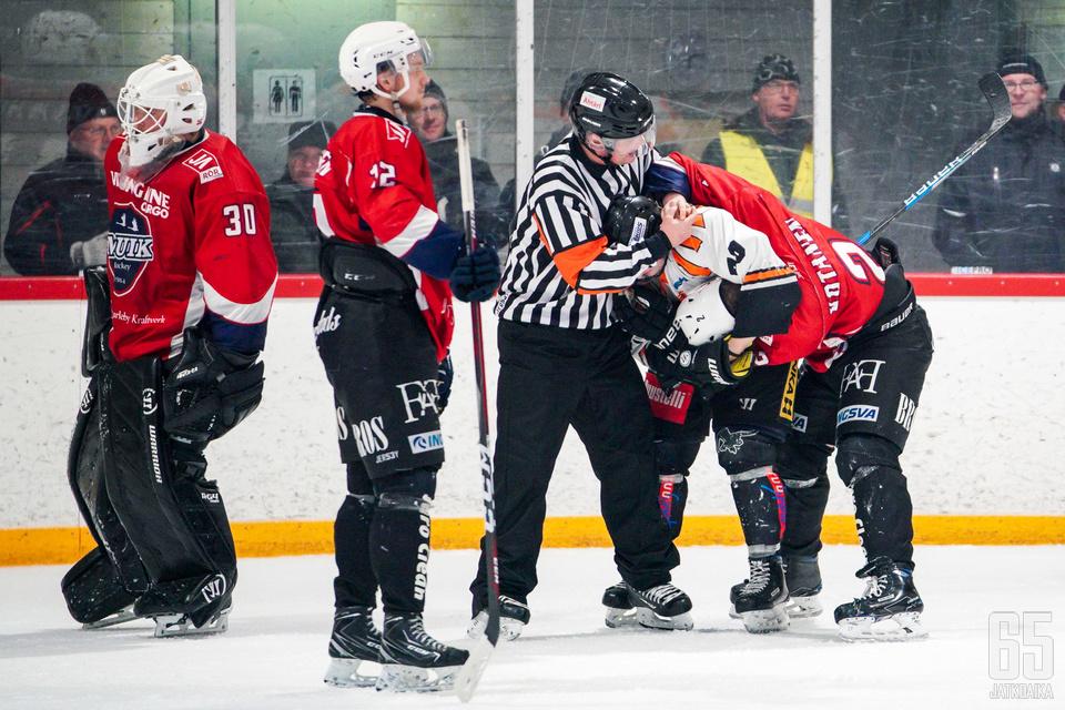 MuIK Hockey ja Haukat vääntävät muiden joukkueiden tapaan runkosarjassa 30 ottelua.