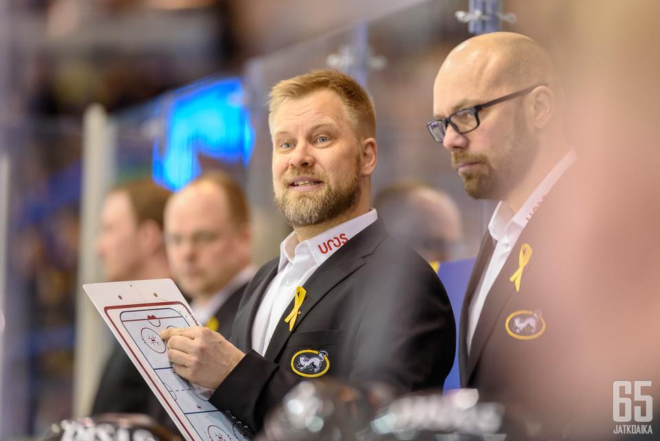 Mikko Mantereen valmentama Kärpät hävisi perjantaina Helsingissä.