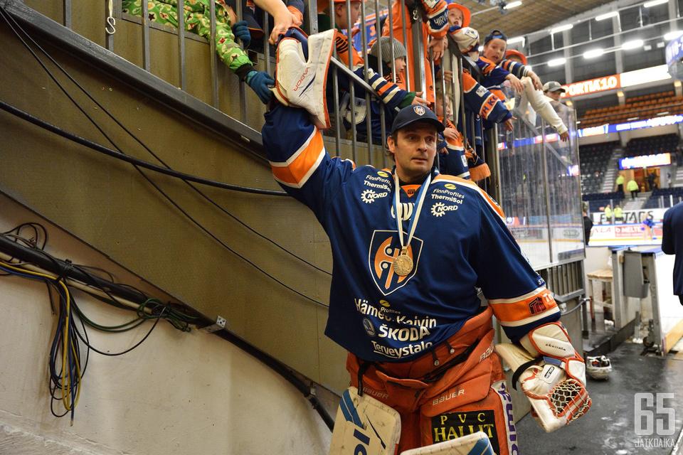 41-vuotias Bäckström voitti pronssia toisena keväänä peräkkäin.