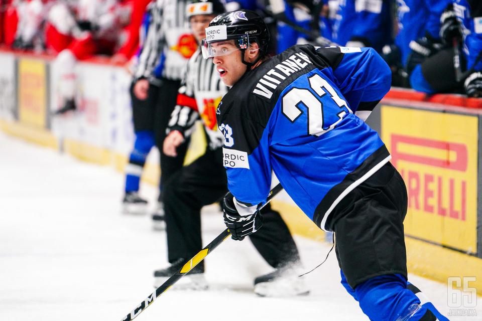 Mark Viitanen on esiintynyt ensi kertaa Viron maajoukkuepaidassa tämänvuotisessa 1B divisioonan MM-turnauksessa.