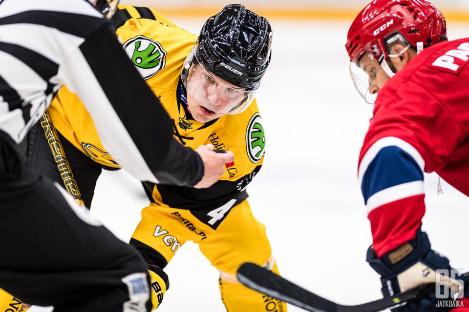 Teemu Ramstedt on kantanut kuormansa SaiPan tämän kauden otteluissa myös aloitusympyrässä.