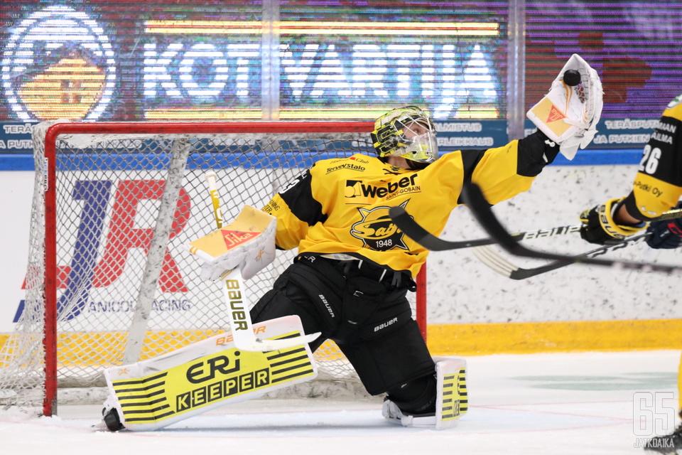 Westerholm venyi IFK:ta vastaan muutamaan paraatipelastukseen.