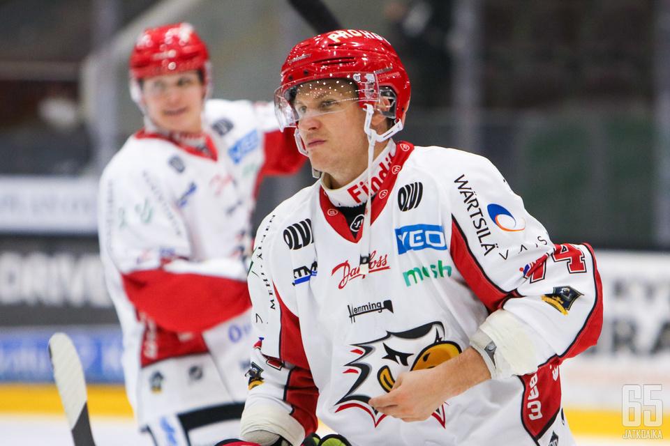Antti Erkinjuntti teki sadannen Liigamaalinsa toisessa ottelussaan Sportin paidassa.