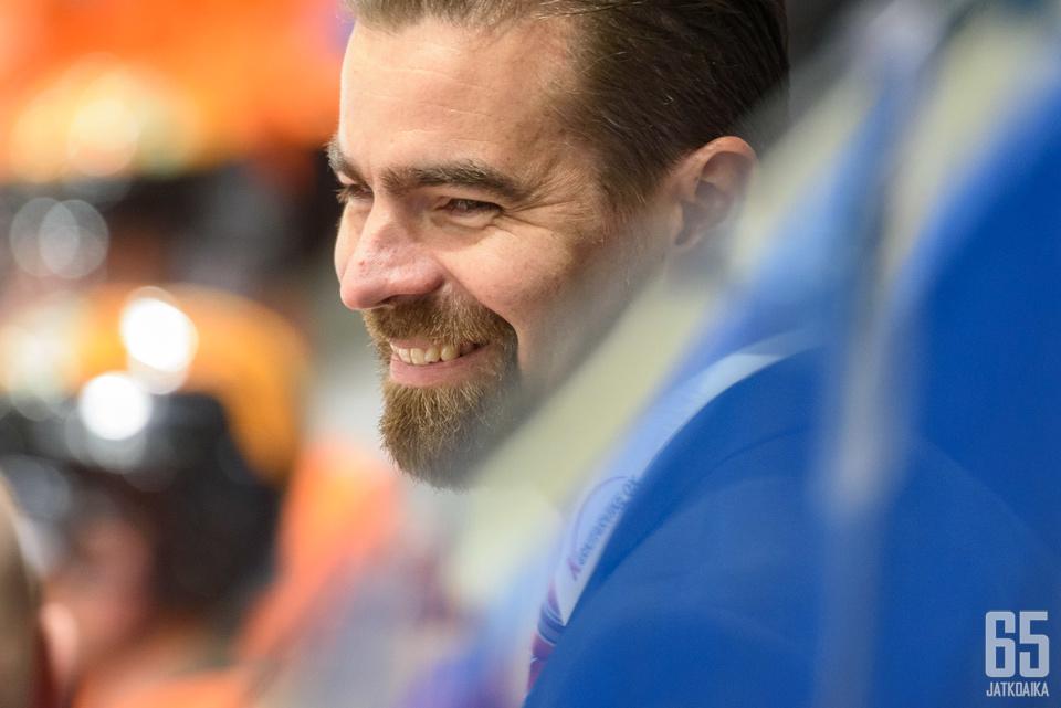 KooKoon alkukausi on hymyilyttänyt Jussi Ahokasta.