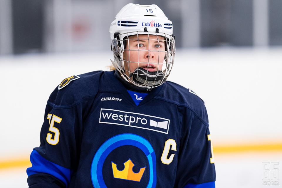 Tuominen lähtee Espoosta ammattilaiseksi Venäjän Naisten Liigaan.