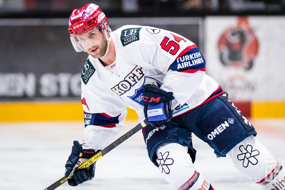 Sebastian Dyk täräytti avausmaalin vain kuuden sekunnin pelin jälkeen.