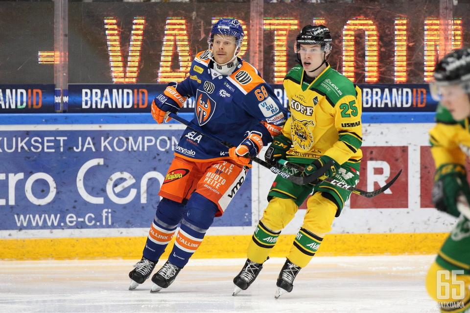 Mikko Pukka on edustanut Liigassa tällä kaudella molempia tamperelaisseuroja.