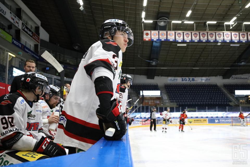 Katse Liigassa. Mikäli Wiljami Kupiaisen kehitys jatkuu vastaavana kauden loppuun asti, voi nuoren joensuulaisen tavoite olla realismia.