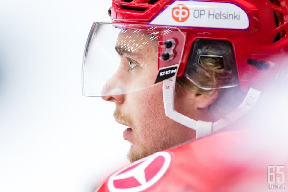 Michael Keränen loukkaantui HPK-ottelussa.