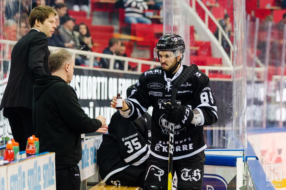 Oula Palveen pistepottina on 29 pistettä 35 ottelusta.