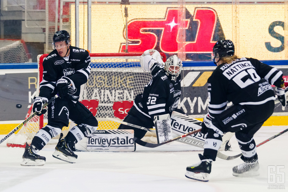 Rasmus Tirrosella oli vaikea ilta TPS-maalilla.
