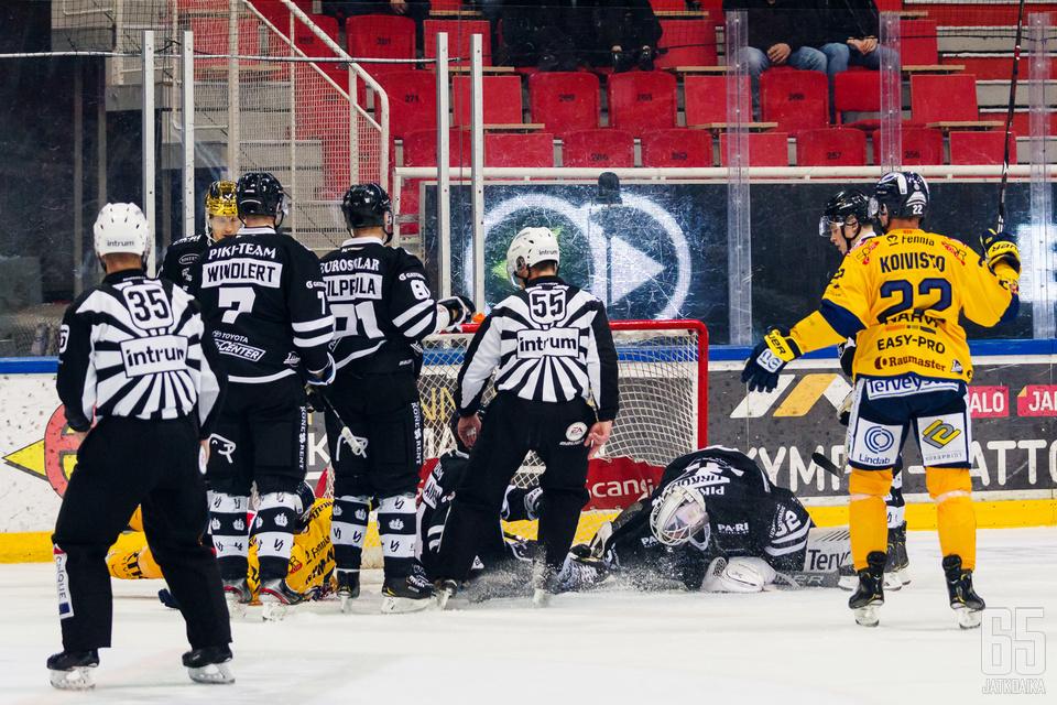 Lukko oli TPS:ää parempi kahdesti peräkkäin, sekä Turussa että Raumalla.