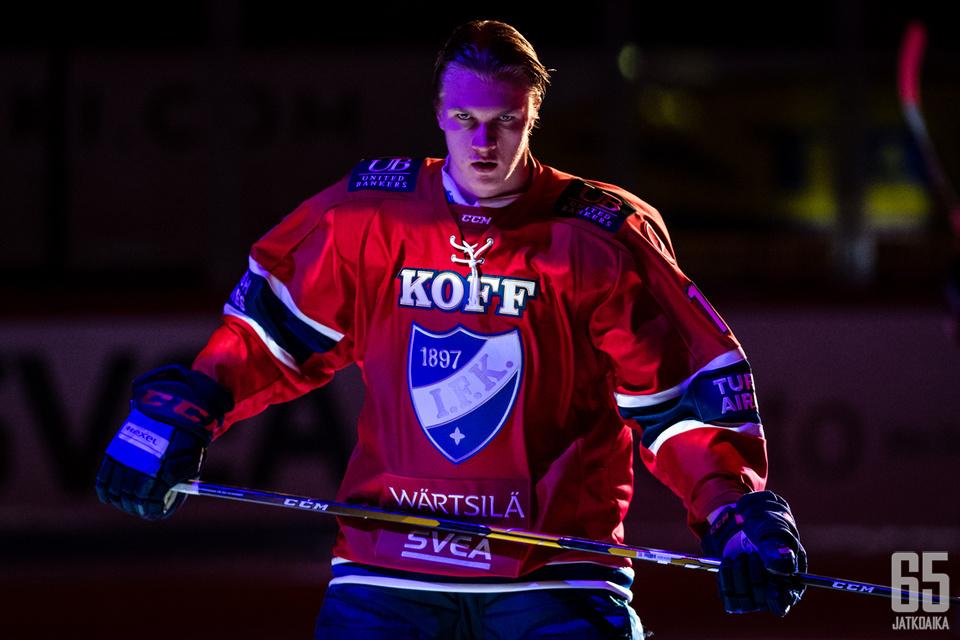 Anton Lundell kuuluu HIFK:n luottopelaajiin