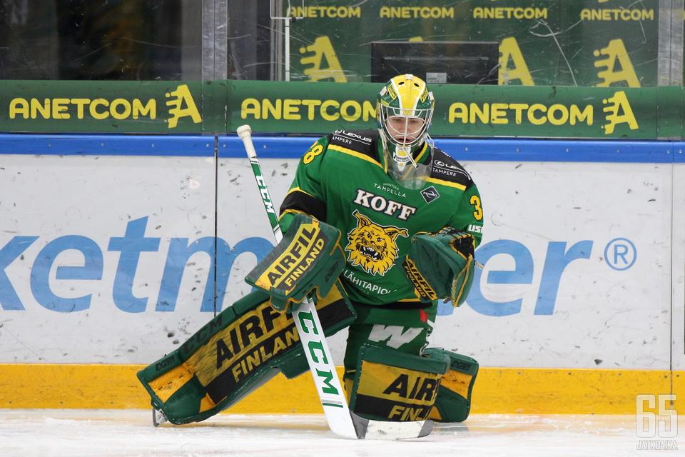 Eetu Mäkiniemi torjui viime kaudella tulokkaana seitsemässä liigaottelussa torjuntaprosentilla 93,62.