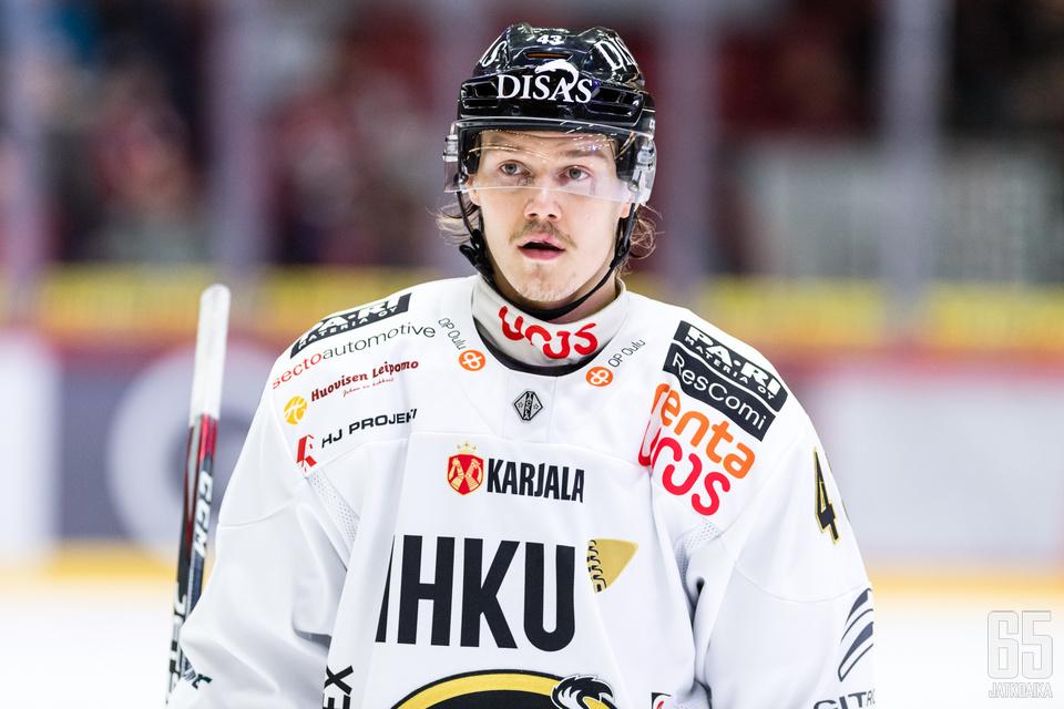 Teppo siirtyi Ouluun siirtorajalla.
