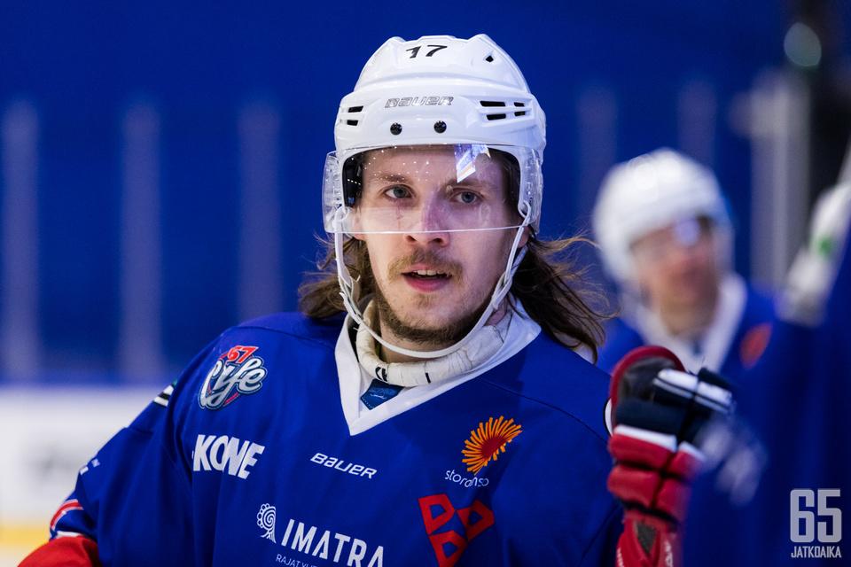 Ketterän Henry Karjalainen on noussut esiin pudotuspeleissä takatukkansa lisäksi tehokkuutensa ansiosta (2+5).