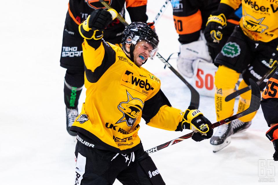 SaiPa otti kauden avausottelussa 5—3 voiton KooKoosta. Onnistuminen maistui laimean edelliskauden jälkeen.