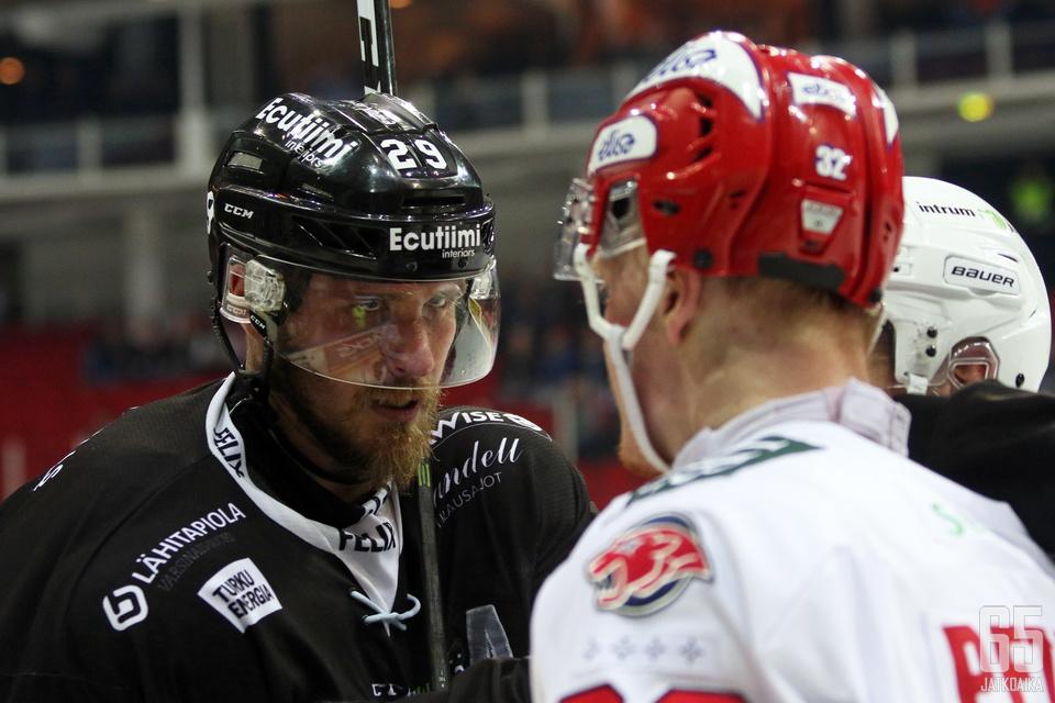 Jonne Virtanen on tällä hetkellä TPS:n hyllyttämänä.