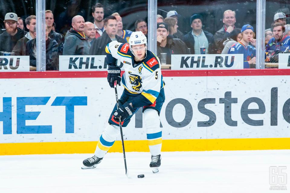 Suomalaispuolustajan otteet kiinnostivat katsojia maanantaina Helsingissä.