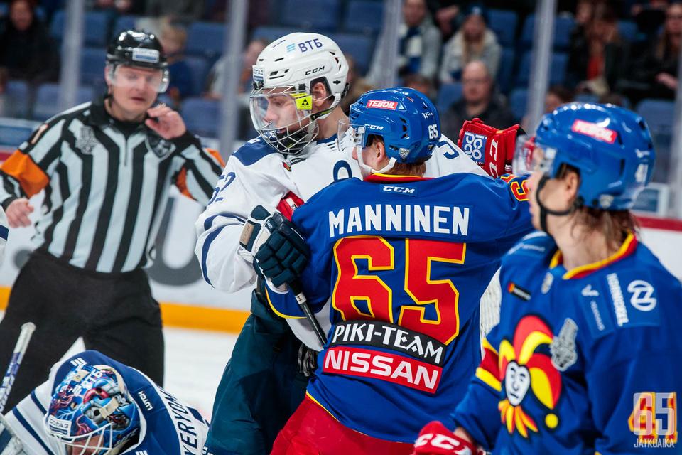 Miika Koivisto iski Dinamolle voittomaalin keskiviikkona kasvot tiukasti suojattuna.
