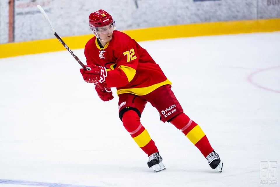 Tänään pyöreitä täyttänyt Aleksi Halme vastasi ottelun avausmaalista. Maali oli nuorukaisen ensimmäinen KHL:ssä.