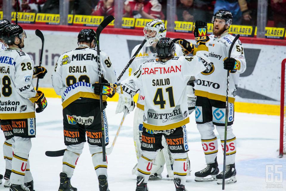 Kärpät voitti runkosarjan pisteiden valossa, mutta maaliodottamalla HPK vei ykköspaikan.
