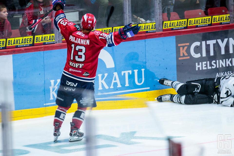 Otto Paajanen iski HIFK:n ensimmäisen maalin TPS:ää vastaan.