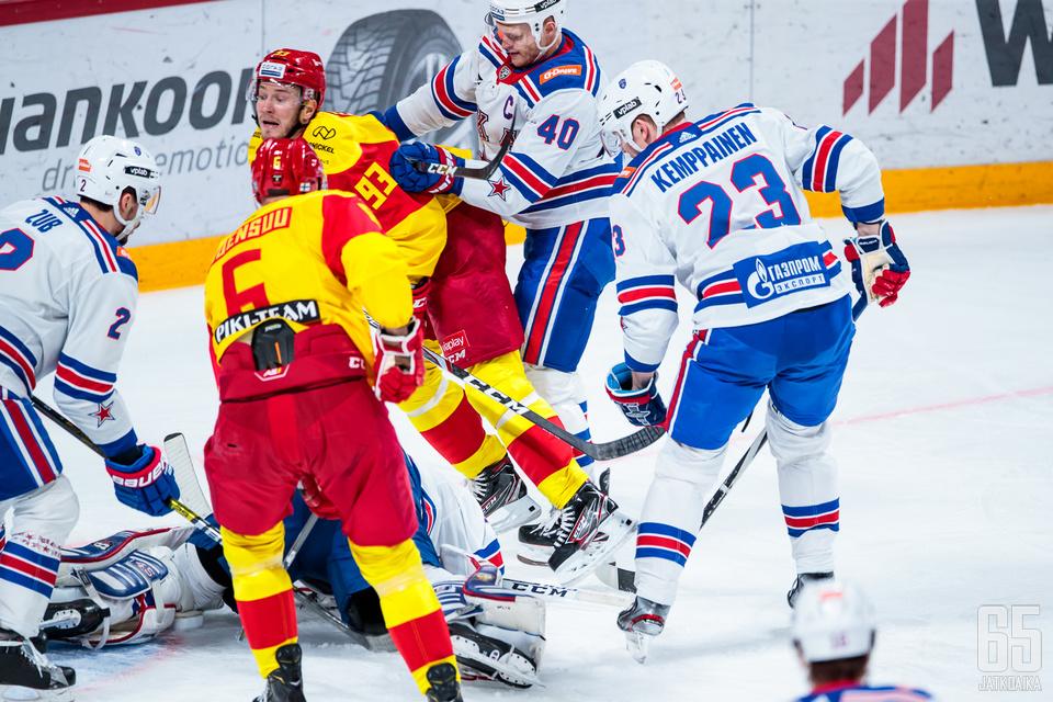 Jokerit ja SKA Pietari olisivat kohdanneet KHL:n toisella pudotuspelikierroksella. Jokerit vetäytyi pudotuspeleistä viime viikolla.