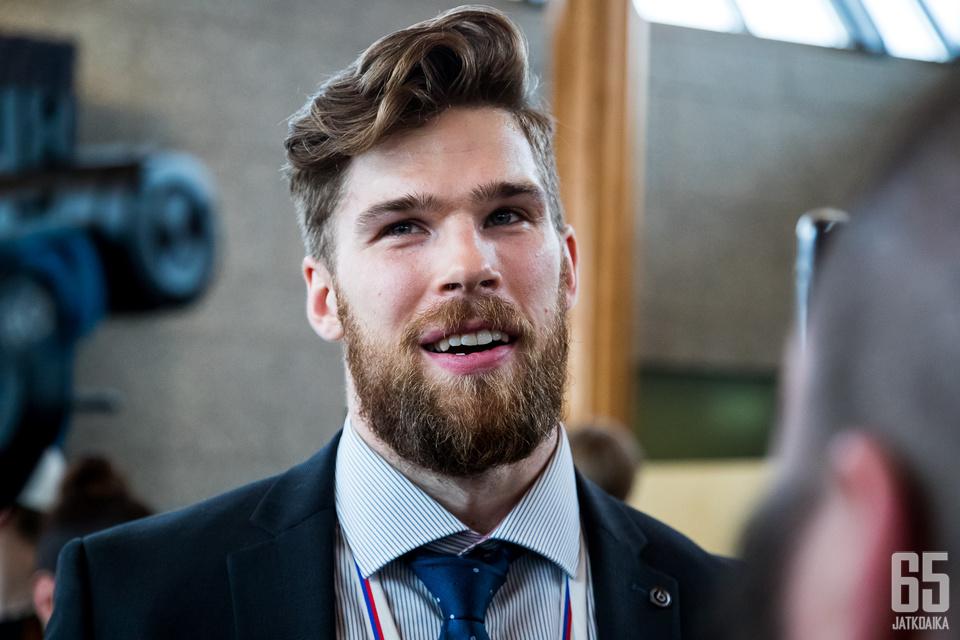 Jani Hakanpää luuti myös Leijonien tuoreen maailmanmestaruusjoukkueen takalinjoilla.