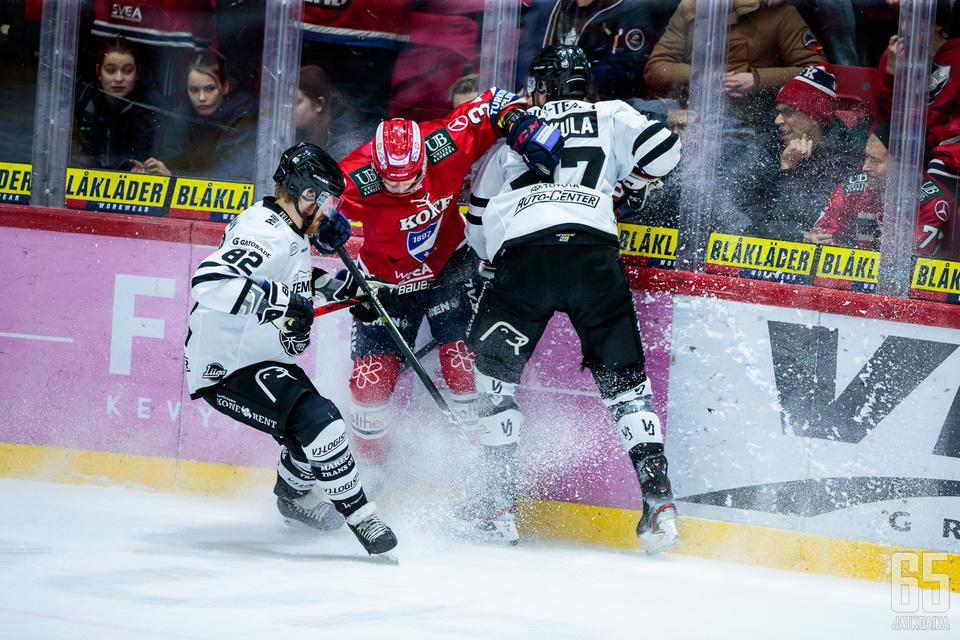 HIFK:n ja TPS:n kohtaamisessa laidatkin ryskyivät.