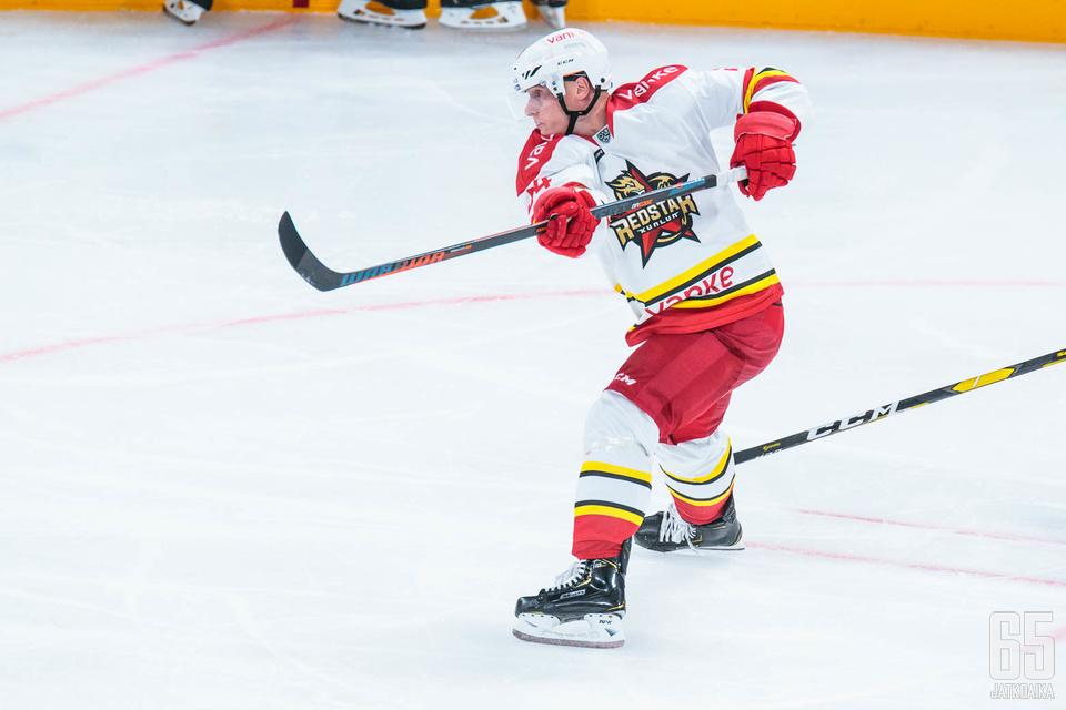 Olli Palola on kokeillut KHL:ssä, mutta tehoja on irronnut paremmin SHL:ssä.