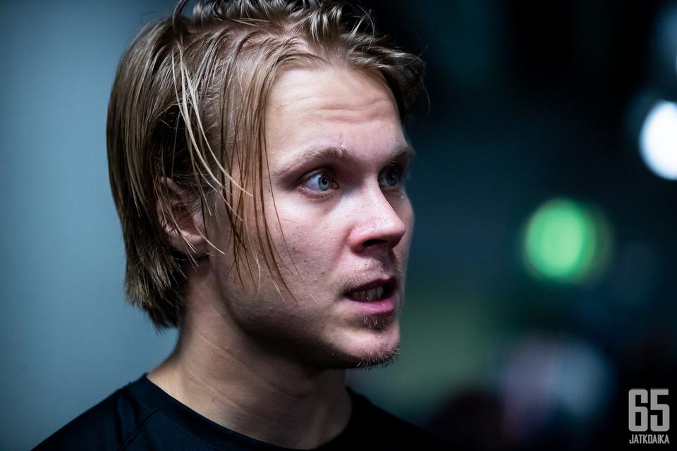 Mikael Granlund vaihtoi viime kaudella NHL-seuraa Wildistä Predatorsiin.