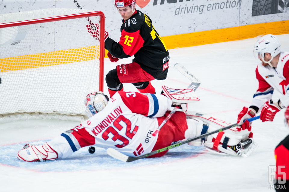 Ilja Konovalovilta vaaditaan loistavia venytyksiä, mikäli Lokomotiv haluaa jatkaa vielä kauttaan.