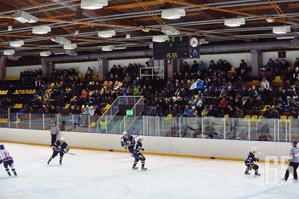 Saari ja Suomela pelasivat tällä kaudella Matinkylässä.
