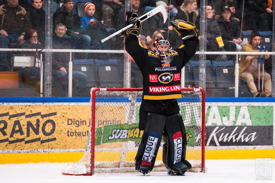 Jussi Rynnäs piti joukkuettaan pystyssä sen vaikeilla hetkillä.