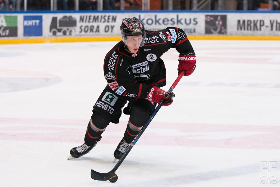 Matias Varttinen pelasi edellisen kerran ottelussa Ässät-TPS.