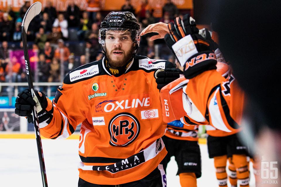 Morin pelasi HPK:ssa seitsemän ottelua ja teki yhden maalin.