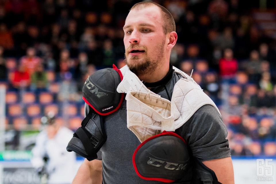 Jonne Virtanen ehti myös nyrkkihippasille Pitsiturnauksessa.