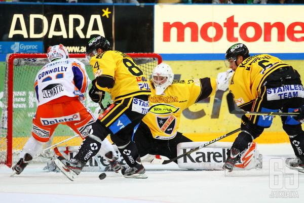 Mikko Koskinen ja KalPan puolustus pitivät huolen, ettei Tappara päässyt osingoille kolmesta pisteestä.
