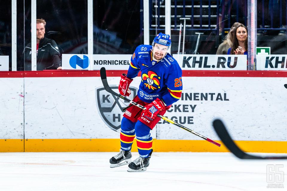 Pekka Jormakka oli isäntä kaukalossa Amur-ottelussa.