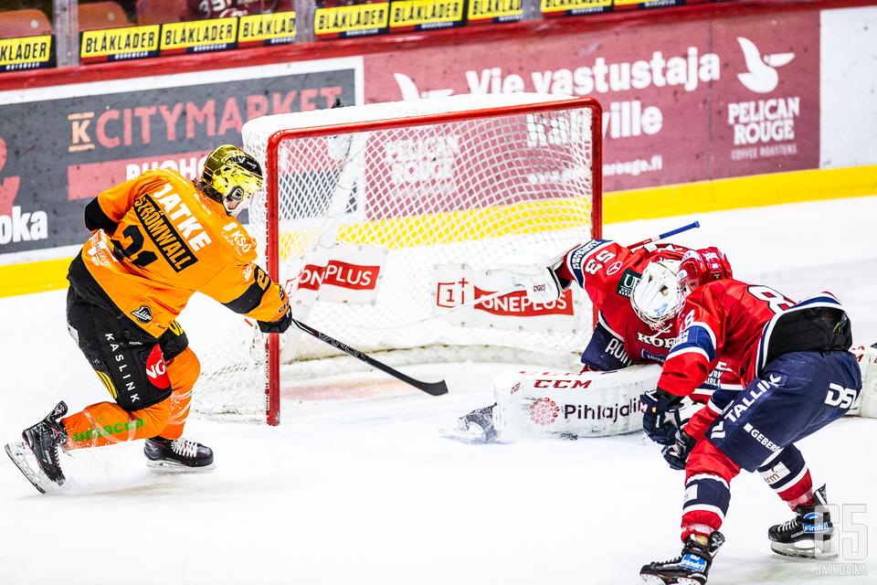 Engren piti nollan ja Strömwallin maaliton putki sai jatkoa.