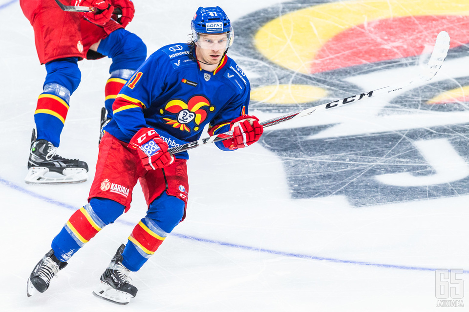 Antti Pihlström iski kauden ensimmäisen osumansa.