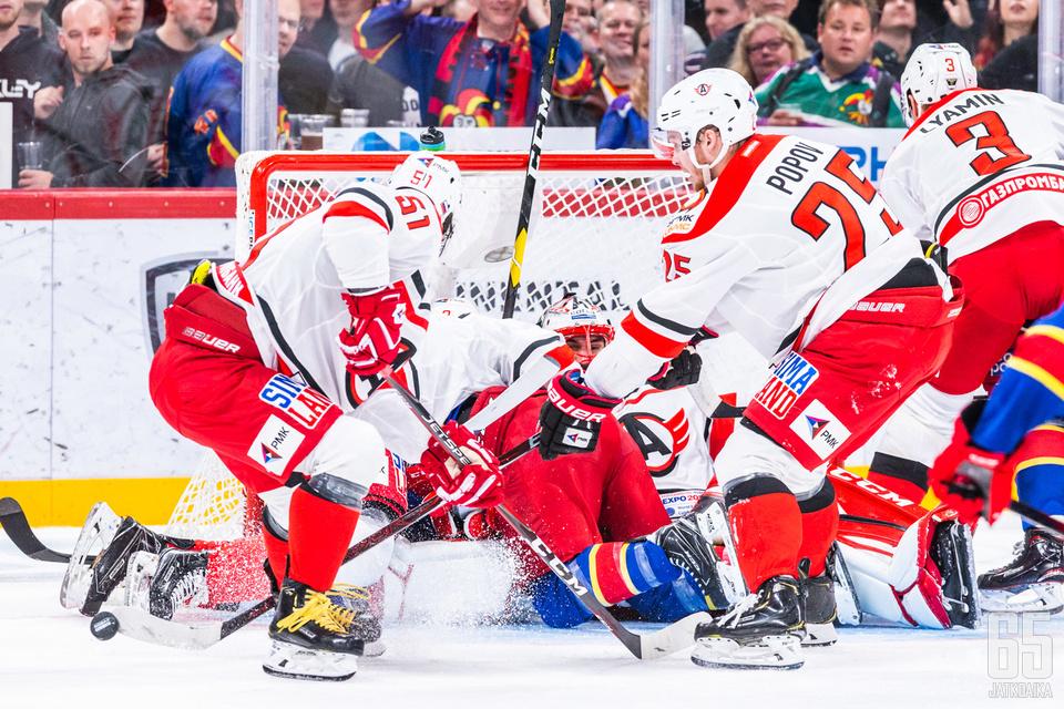 Jekaterinburgilaiset suojelivat maaliaan kaikin keinoin.
